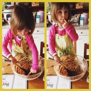 Faire un cake au chocolat, et surtout... lécher le plat !