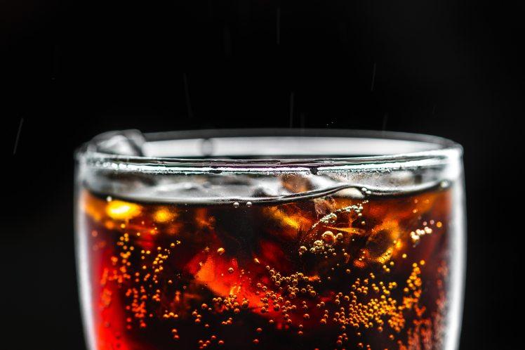 beverage-black-background-bubbles-1579061