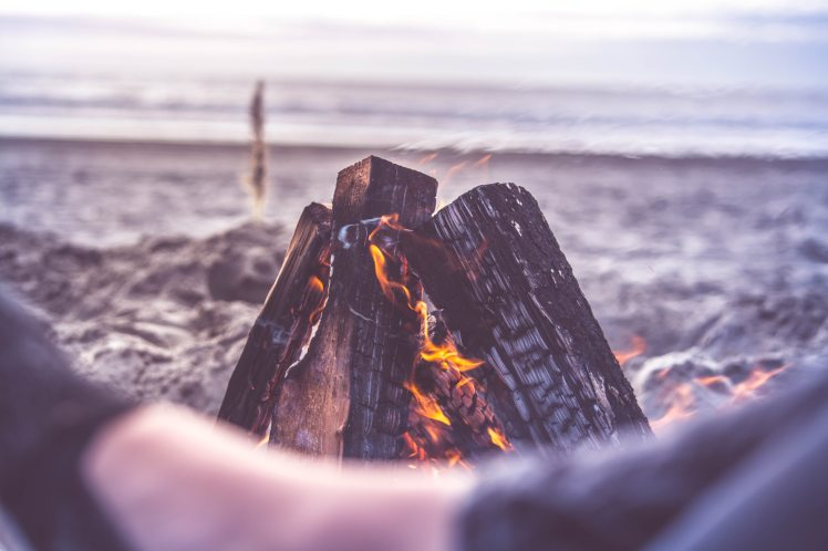 beach-bonfire-camping-close-up-213807